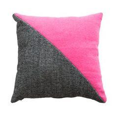 Pollonium Cushion