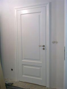 http://allegro.pl/drzwi-wewnetrzne-drewniane-biale-z-korona-i5889872775.html