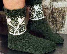 Neulojat loihtivat nyt upeita mökkisukkia! Katso kuvat versioista ja poimi ideoita | Kodin Kuvalehti Diy Crochet And Knitting, Knitting Stiches, Knitting Socks, Knitting Patterns, Wool Socks, Kids Socks, Christmas Knitting, Diy And Crafts, Diagram