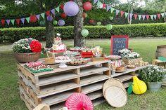 picnic colorido com comidinhas caseiras e tradicionais - constance zahn