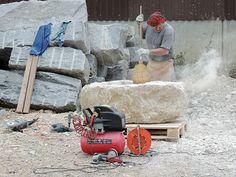 Ein Brunnen entsteht: Steinbrocken Code 110 Outdoor Power Equipment, Photos, Stones