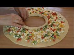 ÇOK FARKLI BOMBA GİBİ BİR TARİF. HİÇ GÖRMEDİĞİNİZ / İÇİ YUMUŞACIK, DIŞI ÇITIR BÖREK TARİFİ / Kolay - YouTube Cheese Pastry, Arabian Food, Pizza Casserole, Pastry Recipes, Quick Easy Meals, Queso, Sweet Recipes, Goodies, Rolls
