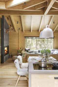 Rustic Living Room Decor Ideas Inspired By Cozy Mountain Cabins Sweet Home, Cabin Kitchens, Cabin Interiors, Scandinavian Interiors, Scandinavian Cabin, Cabin Homes, House In The Woods, Kitchen Remodel, Kitchen Renovations