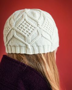 hat, knitting pattern, twisted stitches, cables, Debbie Bliss, hexagonal pattern