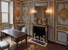 Cabinet particulier de Louis XVI   Flickr - Photo Sharing!