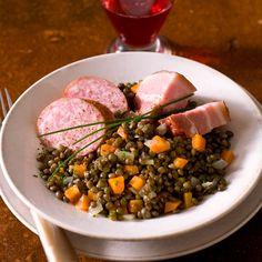 Découvrez la recette petit salé aux lentilles sur Cuisine-actuelle.fr.