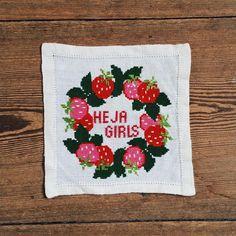 Heja Girls! av @broderiklubbenBK #broderi #embroidery