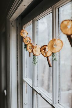 The Perfect Holiday DIY: A Simple Dried Citrus Garland – Household Creating a new holiday tradition with this perfect DIY project : a simple dried citrus garland made with Wonderful Halos!