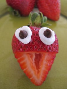 """""""Foodie"""" fun for kids: Strawberry Heads 
