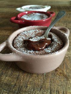 Coulant au chocolat noir, recette sur http://ilovechocolat.overblog.com/2015/04/coulant-au-chocolat.html