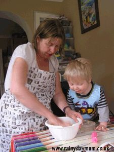 Cooking with toddlers to make Jam Tarts, what advise would you give to anyone cooking with toddlers or pre-schoolers?