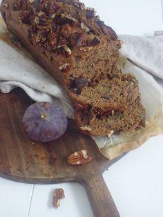 Vijgenbrood! smakelijck.nl Healthy Baking, Healthy Snacks, Healthy Recipes, Bread And Pastries, Breakfast Muffins, Pastry Recipes, Pecans, High Tea, Cake Cookies