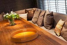 le canapé avec la table