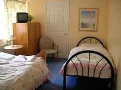 Gatwick is a hub of comfortable and relaxed accommodation facilities & guesthouses located nearby Gatwick airport. http://bit.ly/1vjhPHS  #AccommodationInGatwickAirport