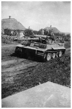 Panzerkampfwagen VI Tiger (8,8 cm L/56) Ausf. E (Sd.Kfz. 181) Nr. 114