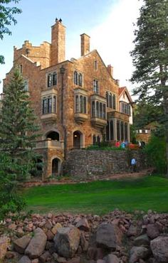 The Glen Eyrie is an amazing place.  It is located at the edge of Colorado Springs.  It houses the Navigators International Head quarters.  But even if you are not interested in them it is still a cool hotel and the area around it are beautiful.