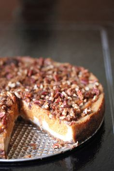 Vegan pumpkin cheesecake, want to modify. Vegan Sweets, Vegan Desserts, Delicious Desserts, Vegetarian Sweets, Healthier Desserts, Vegan Recipes Easy, Fall Recipes, Apple Recipes, Pumpkin Recipes