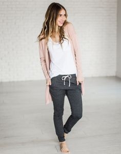 Whole outfit perfection Dusty Pink Cardigan - Mindy Mae's Market Lazy Outfits, Mode Outfits, Winter Outfits, Casual Outfits, Fashion Outfits, Cute Lounge Outfits, Comfy Fall Outfits, Casual Clothes, School Outfits