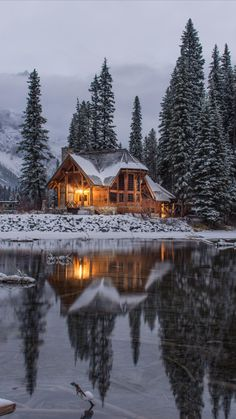 Natur Wallpaper, Winter Cabin, Snow Cabin, Winter Mountain, Cozy Winter, Cozy Cabin, Mountain View, Winter Scenery, Beautiful Places To Travel