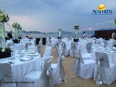 #bodaenacapulco Respaldo de profesionales para tu boda en Acapulco con Hotel Emporio. BODA EN ACAPULCO. Tener el respaldo de profesionales en la organización y planeación de tu boda, es un gran alivio y el Hotel Emporio, cuenta con personal altamente capacitado para que el evento y la ceremonia, salgan a la perfección. Te invitamos a visitar la página oficial de Fidetur Acapulco, para obtener más información.