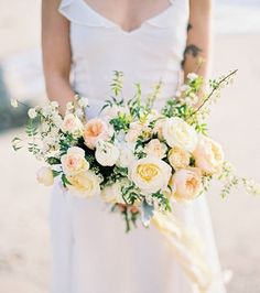 These peach garden roses deserve to have a wedding of their own! | Photography…