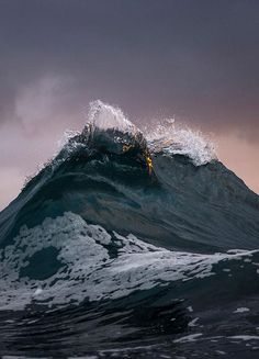 Photographer captures the moody ocean at daybreak