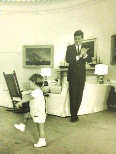 John Jr. In The Oval Office. ❤❤❤❤❤❤ http://en.wikipedia.org/wiki/John_F._Kennedy http://en.wikipedia.org/wiki/John_F._Kennedy,_Jr