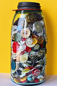 buttons jar love
