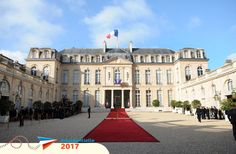 France says 'au revoir' to the Sarkos as Francois Hollande is sworn in as the new President. while stylish Valerie eclipses frumpy Carla at Elysee Palace handover French Elections, Le Pen, Le Palais, Paris Ville, New President, Classical Architecture, Tour, Live, Architecture