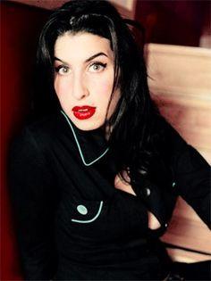 Amy Winehouse Jazz, Beautiful Voice, Beautiful People, Amy Winehouse Style, Amazing Amy, Divas, Neo Soul, Rhythm And Blues, London City