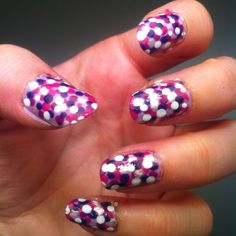 I tried it with my dotting tool. I like the result !