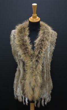 Kožešinová vesta - králík Fur Coat, Jackets, Fashion, Down Jackets, Moda, Fashion Styles, Jacket, Fasion, Fur Coats