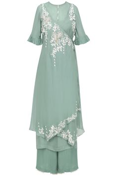 Online Luxury Fashion Store for Women and Men: Buy Men's and Women's Apparel, Designer Clothing, Designer Jewellery, Fashion Accessories at Pernia's Pop-Up Shop Lengha Blouse Designs, Kaftan Designs, Silk Kurti Designs, Kurta Designs Women, Kurti Designs Party Wear, Mehndi Designs, Indian Gowns Dresses, Indian Fashion Dresses, Stylish Dress Designs