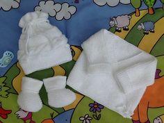 brassière bébé bonnet chaussons tricot laine layette cadeau