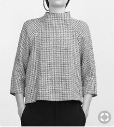 Trendy sewing blouse simple fabrics Picture For Women Blouse 2020 For Your TasteYou are looking for something, and it is going to tell you exactly what you are looking for, and you didn't find that picture. Clothing Patterns, Dress Patterns, Sewing Patterns, Blouse Sewing Pattern, Pants Pattern, Top Pattern, Sewing Blouses, Sewing Shirts, Women's Shirts