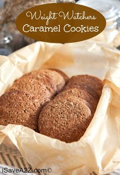 These Weight Watchers Caramel Cookies are my latest discovery! And would you believe they are only 1 point per serving? Dessert Weight Watchers, Weight Watcher Cookies, Weight Watchers Meals, Ww Recipes, Low Calorie Recipes, Cookie Recipes, Flour Recipes, Health Recipes, Ketogenic Recipes