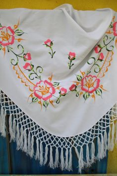 358. Embroidered shoulder scarf/embroidered shawl/machine embroidered woman scarf/triangle flowered shoulder scarf/fringed big scarf Hungarian Embroidery, Hand Embroidery, Machine Embroidery, Linen Towels, Real Beauty, Womens Scarves, Shawl, Triangle, Shoulder