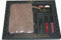 Disney Beautifully Beauty Gift Set Eye Shadow Lip Gloss Mascara Liner Sequin Bag https://qdiz.com/?p=2829