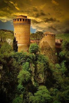 Medieval Fortress of Brisighella - Emilia Romagna. risighella is a comune (municipality) in the province of Ravenna, Emilia-Romagna, Italy. Beautiful Castles, Beautiful Buildings, Beautiful Places, Amazing Places, Simply Beautiful, Places To Travel, Places To See, Places Around The World, Around The Worlds