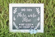 Ideas Baby Announcement Signs Diy For 2019 Chalkboard Baby Announcements, Third Baby Announcements, Rainbow Baby Announcement, Chalkboard Signs, Baby Due, Baby Baby, Baby Gender, Baby Shower Chalkboard, Third Pregnancy