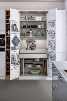 Przechowywanie w kuchni. Zobacz jak zaplanować miejsce na garnki - Galeria - Dobrzemieszkaj.pl