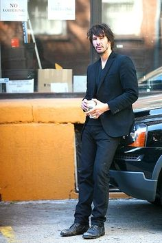Keanu Reeves, my one and only tall caramel machiato, flavoured with chocolate and spiced with vanilla and cinnamon.  Yummy :)