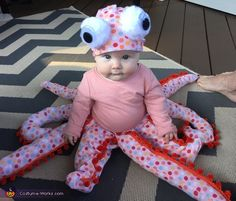 Baby Octopus DIY Costume - 2016 Halloween Costume Contest Janna: Emma is an octopus! She loves playing with the colored legs which were made from Fabric and stuffing. Cute Baby Halloween Costumes, Halloween Costume Contest, Toddler Halloween, Cute Costumes, Halloween Outfits, Halloween Fun, Baby Girl Costumes, Costume Ideas, Newborn Halloween