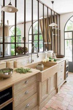 cuisine en bois avec verrière
