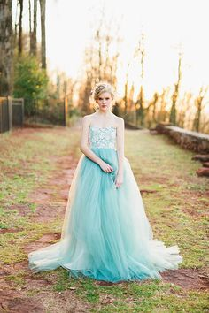 Halo gown Elizabeth Dye Rustic White Photography