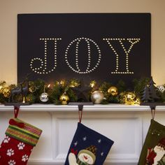 It's hard to put into words just how easy and elegant a sign made with foam board and golden thumbtacks can be.