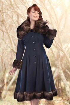Collectif Clothing Navy Faux Fur Pearl Coat 16126 1Met bos