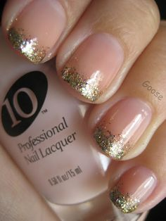 Goose's Glitter: The 12 Days of Christmas Nails: Day 6 - Gold Gradient