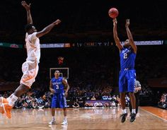 Best. Start. EVER! #1 Kentucky defeats Tennessee, 66-48, & is 26-0 for the first time in program history. #UKvsTENN