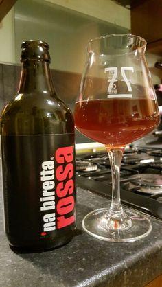 La Birretta Rossa. Watch the video beer review here www.youtube.com/realaleguide #CraftBeer #RealAle #Ale #Beer #BeerPorn #LaBirrettaRossa #LaBirretta #Rossa #ItalianCraftBeer #ItalianBeer